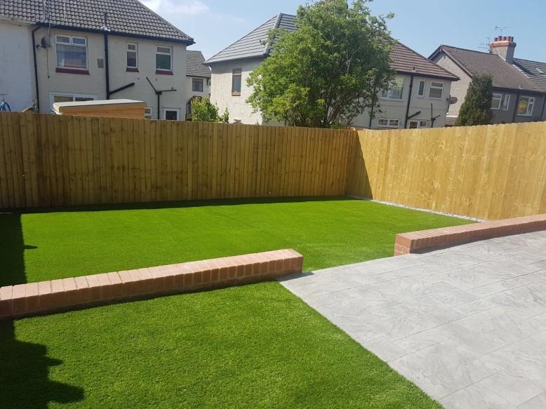 Pattern imprinted- artifical grass
