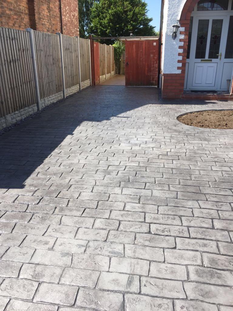 pattern imprinted- cobblestones,
