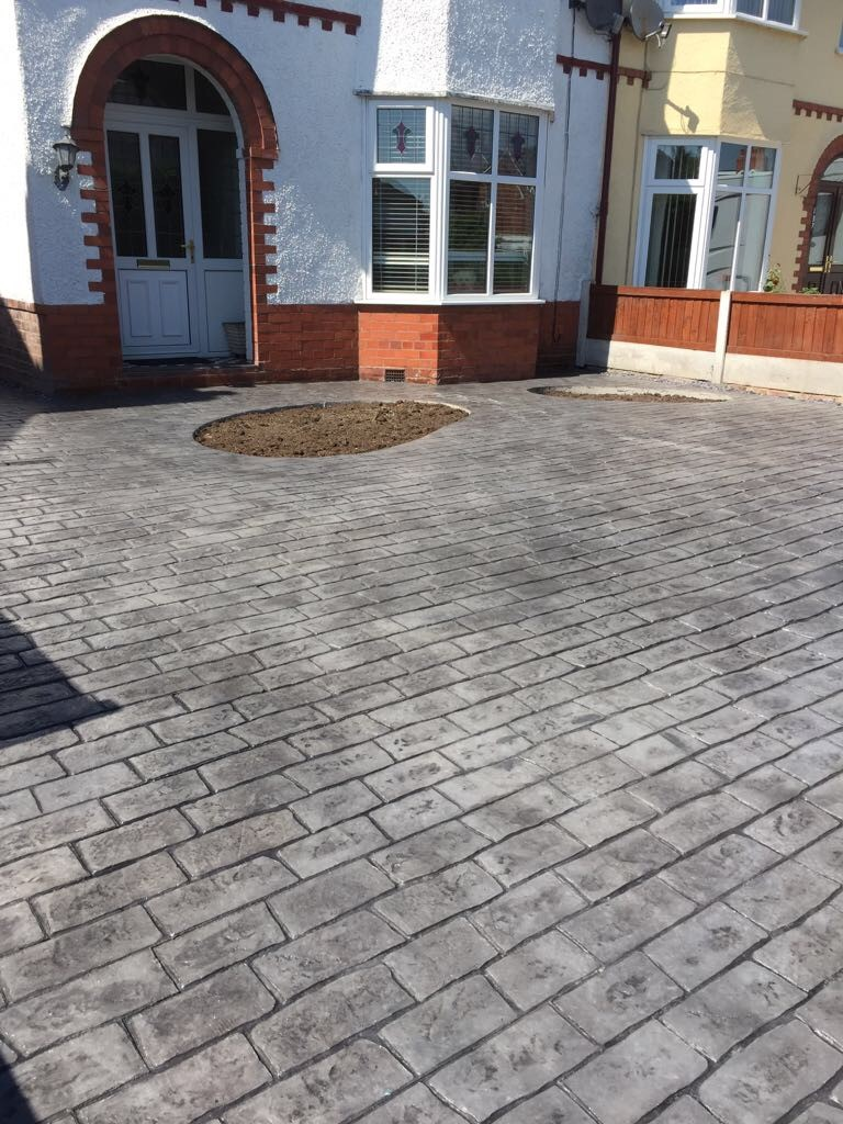 pattern imprinted- cobblestones..