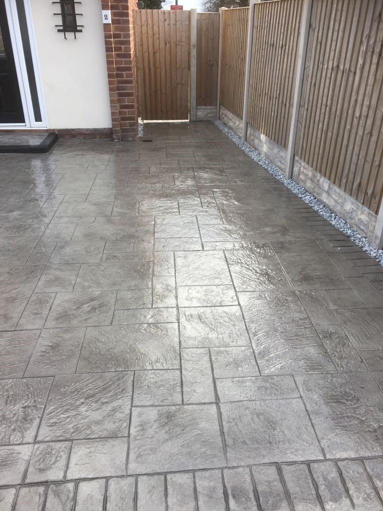 MH Pattern & Print- Pattern imprinted concrete driveway..